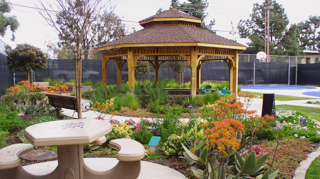 Recovery garden at Sharp Mesa Vista Hospital